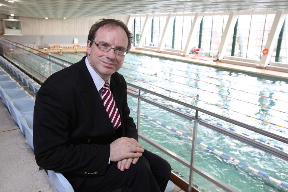 Als Vorsitzender des Schwimmverbandes setzte sich Bernd Lommel 2010 nicht nur für die Rettung der Schwimmhalle Freiberger Straße in Dresden ein - er hatte zuvor auch für die Grünen für den Stadtrat kandidiert.