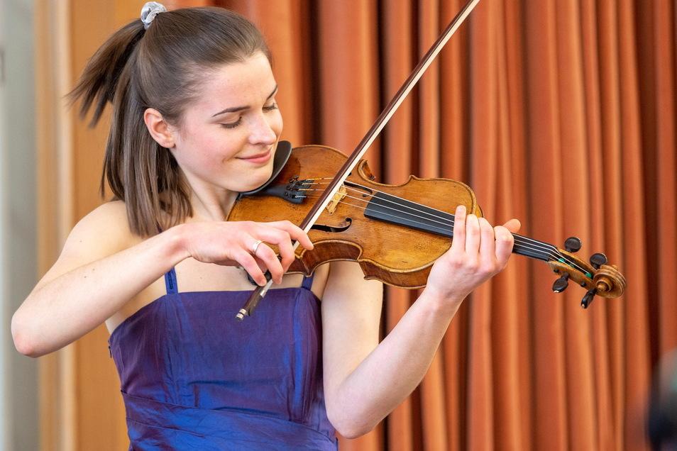 Charlotte Thiele stammt aus einer Musikerfamilie und gilt als großes Talent.