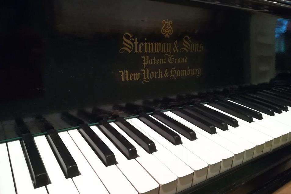 Eugen d´Alberts Steinway-Flügel – dass solch ein historisches Instrument, das von einer Persönlichkeit der Musikgeschichte gespielt worden ist, wieder am authentischen Ort erklingt, dürfte einmalig in Deutschland sein.