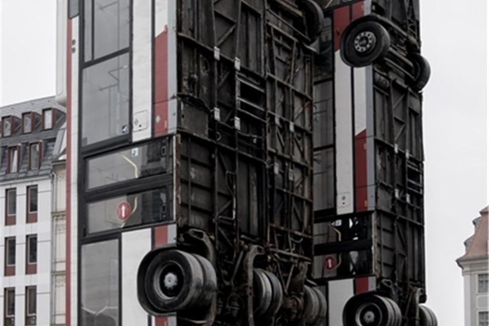 Um ein Umstürzen bei Orkanböen zu verhindern, müssen die Busse möglicherweise hingelegt werden.