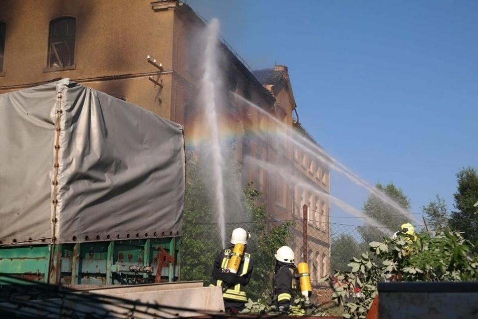 Am 2. Juli gab es einen Großbrand im alten Damino-Werk in Eibau. Jetzt will die Gemeinde Kottmar Fördermittel für den Abriss beantragen.