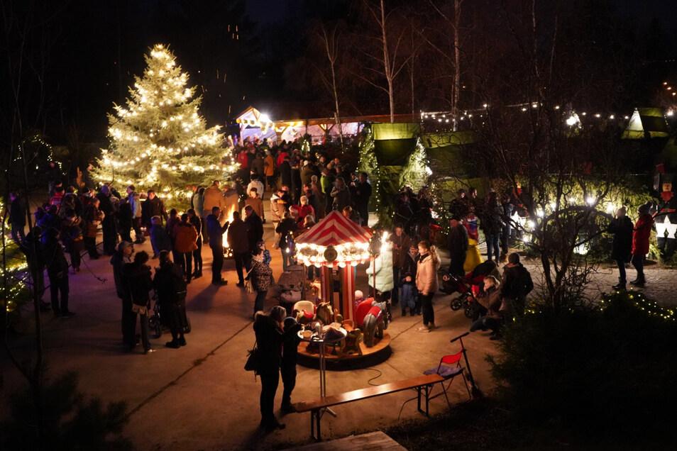 So richtig heimelig: Der Weihnachtsmarkt der Johanniter am Wochenende in Heidenau.