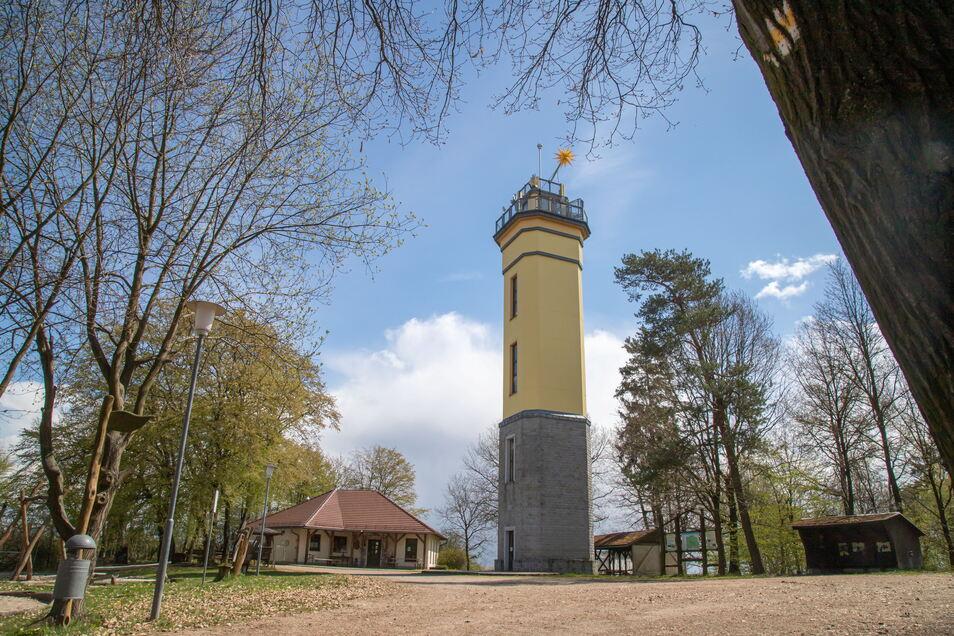 Für die Baude neben dem Aussichtsturm auf dem Monumentberg sucht die Gemeinde Hohendubrau einen neuen Pächter für das neue Jahr.