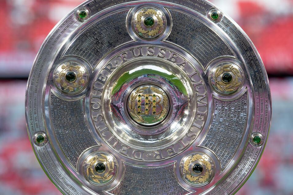 Wann in der Bundesliga wieder um die Meisterschale gespielt werden kann, ist unklar. Für die DFL steht allerdings fest: Vor Mai wohl kaum.
