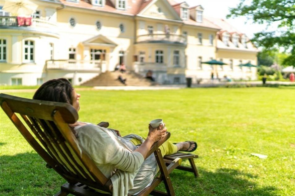 Erholung und Kraft tanken - Auszeit im modernen Kloster Gut Saunstorf für 1 Person & 3 Nächte   ab 116 € statt 385 €