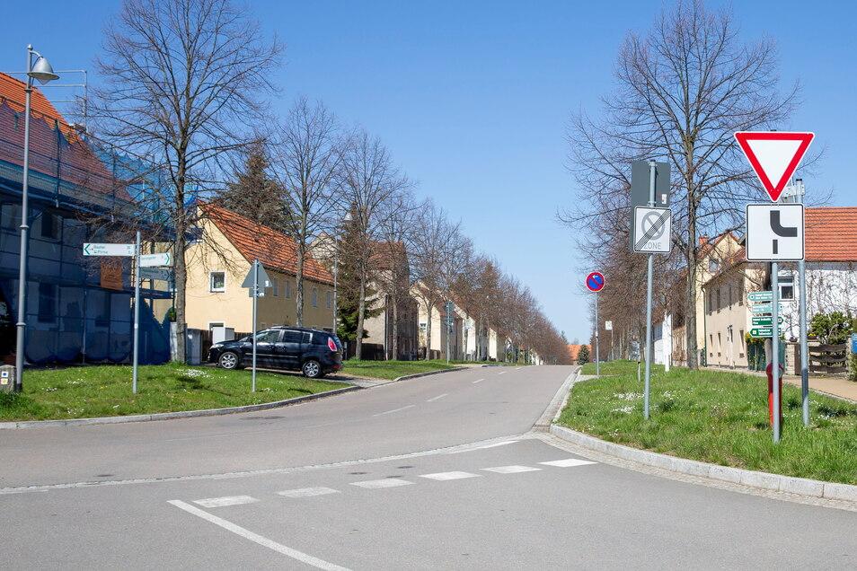 So wie die Hauptstraße auf dem Schild verläuft, verläuft sie nicht wirklich.