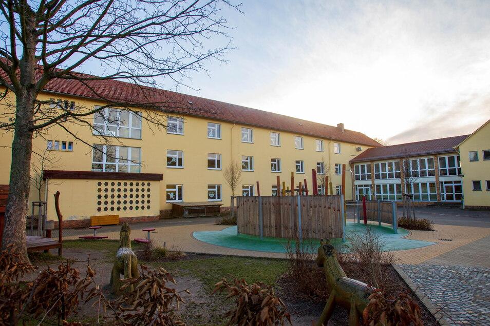 Die Basaltus-Grundschule in Stolpen bekommt in der Mitte einen Anbau.
