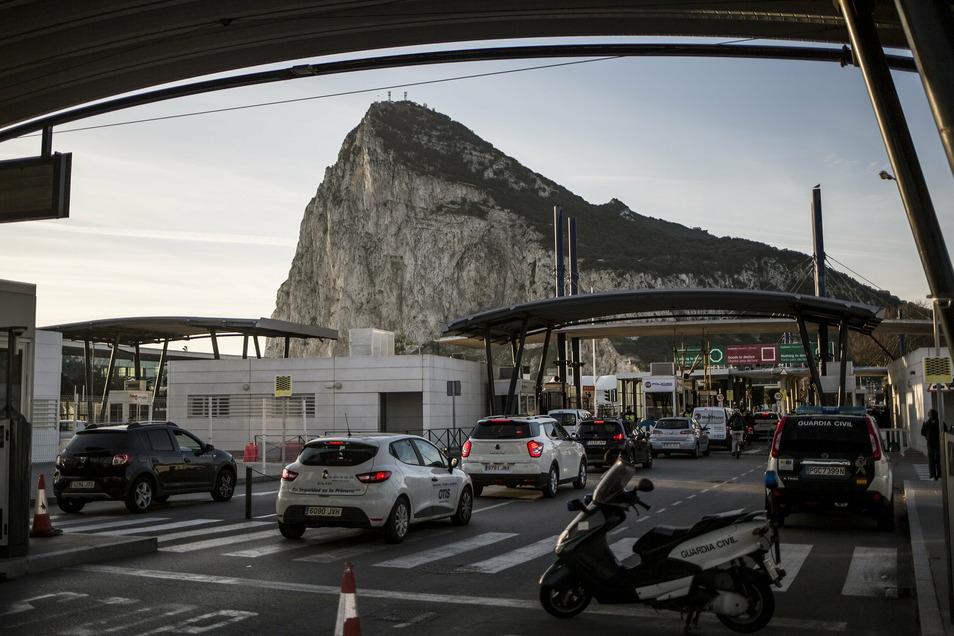 Im letzten Augenblick wurden schwierige Grenzkontrollen zwischen Spanien und Gibraltar verhindert.