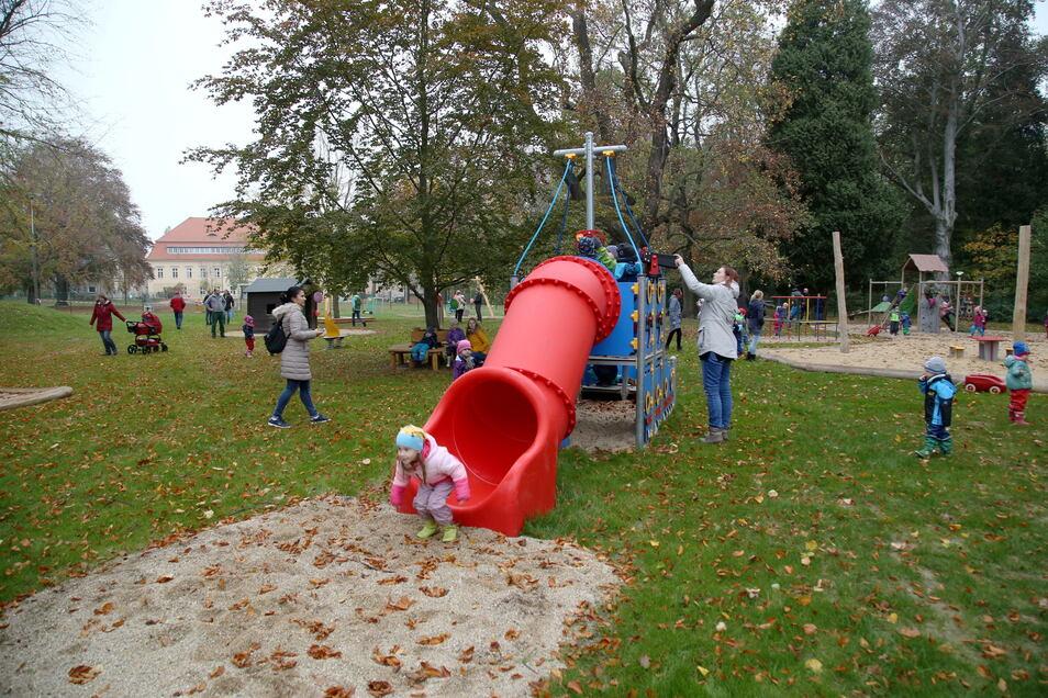 Einen Spielplatz hat die Kita im Schloss Jänkendorf bereits, jetzt soll das Umfeld weiter aufgewertet werden.