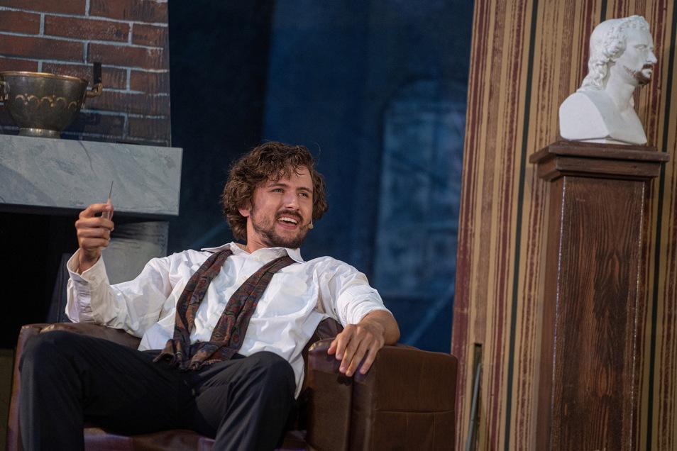 Richard Koppermann nimmt mit der Rolle des Sherlock Holmes Abschied vom Bautzener Theater.
