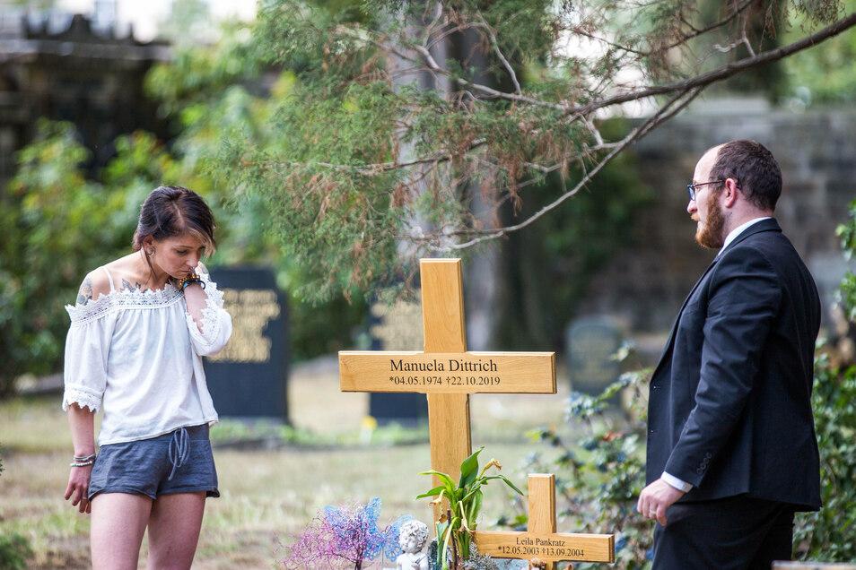 Bestatter Benjamin Wolf steht Nicole Pankratz und ihrer Familie seit Monaten zu Seite.