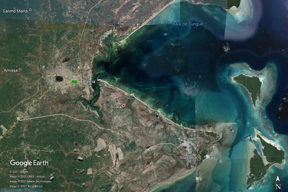 Die Aufnahme von Google Earth zeigt den Ort Palma in der Provinz Cabo Delgado. Seit Mittwoch wüteten etwa 100 Angreifer, die einer Gruppierung mit Verbindungen zur Terrormiliz Islamischen Staat (IS) angehören sollen, in der Kleinstadt.