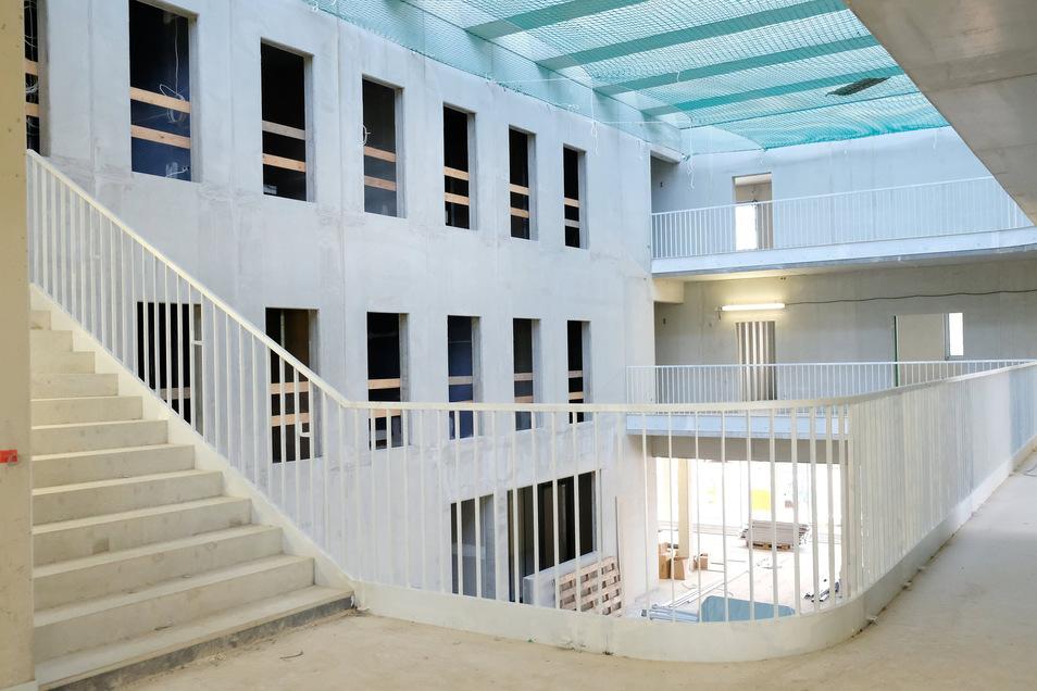 Blick vom ersten Obergeschoss auf den Lichthof.