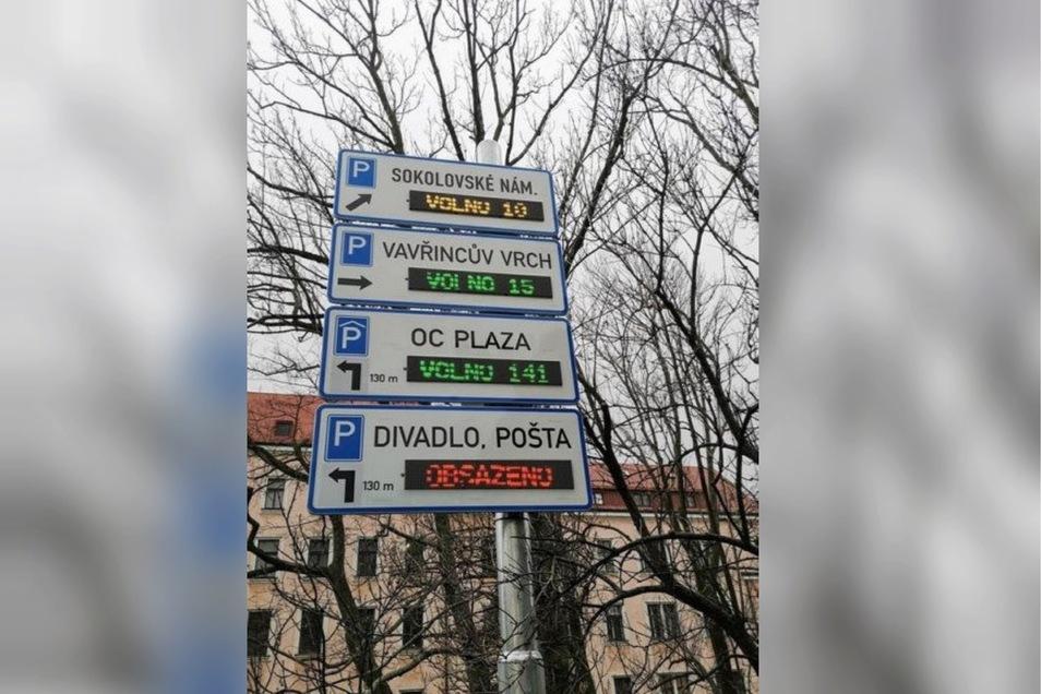 Solche Anzeigetafeln sollen das Parken in Liberec erleichtern.
