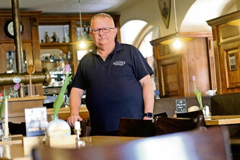 Karsten Schulze, Wirt der Kleinmarktschänke, macht sich Sorgen. Nicht nur Umsatzeinbußen beschäftigen ihn.