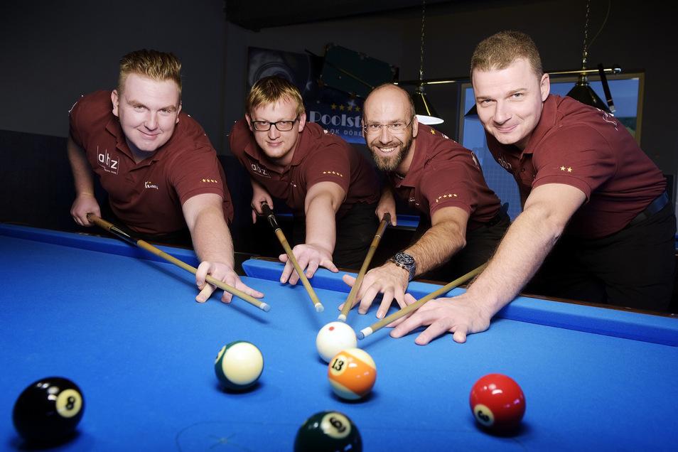 Stiegen nach der Saison in der Oberliga Sachsen wieder in den Fahrstuhl nach unten: Mario Kattner, Maik Thiele, Robby Sauer und André Dittmann (von links).