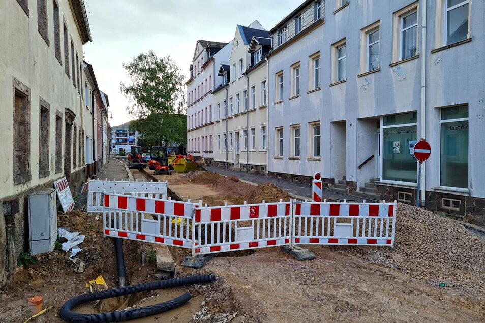 Auf der Goethestraße werden nun ebenfalls die Gehwege erneuert. Sie sollen ein ähnliches Pflaster bekommen wie auf der Annenstraße.
