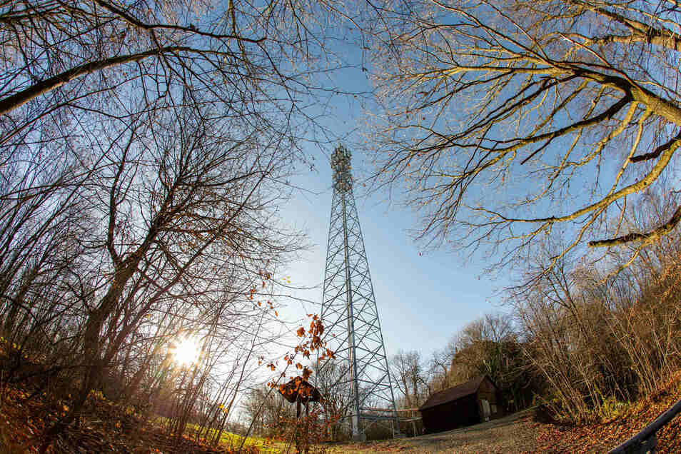 Der Funkturm-Streit in Zschaitz geht weiter. Die Funkturm-Bauer sehen sich im Recht. Die Anwohner wollen den geplanten Bau an diesem Standort verhindern.