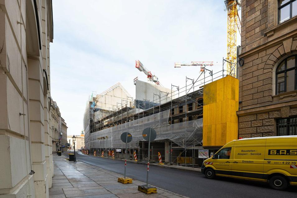 Zwischen Landhaus- und Rampischer Straße stehen die Kräne am Quartier Hoym derzeit still.