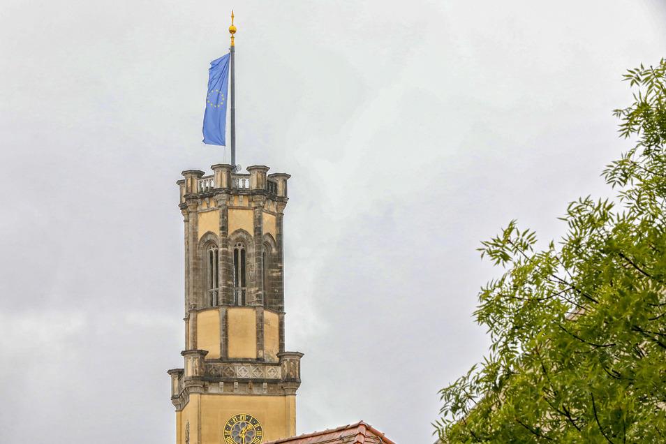 Normalerweise flattert die EU-Fahne auf dem Zittauer Rathausturm derzeit aber nicht.