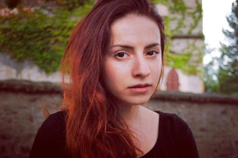 Iryna Fingerova stammt aus Odessa und lebt jetzt in Kamenz. Neben ihrer Arbeit als Ärztin in Pulsnitz ist sie auch künstlerisch aktiv.