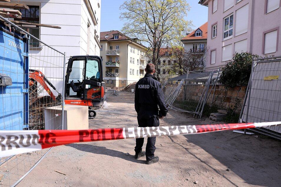 Die Polizei hatte den Fundort an der Georgenstraße abgesperrt.
