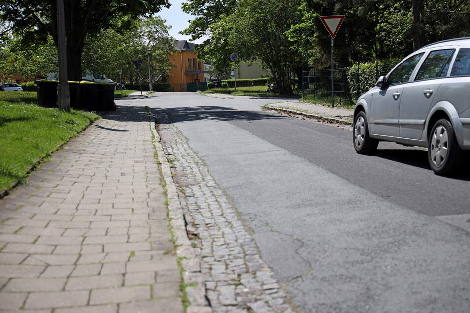 Der Amselweg in Riesa wird demnächst drei Monate lang zur Baustelle.