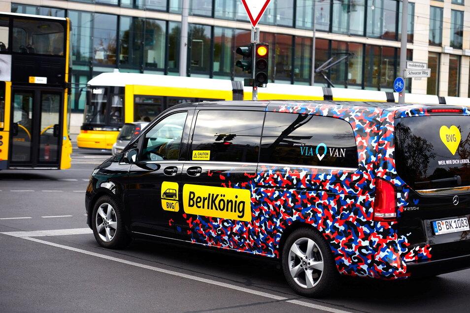 Berlin hat bereits eine Kleinbusflotte, wie sie Dresden für die Mobishuttles plant. In der Bundeshauptstadt heißt das Angebot BerlKönig.