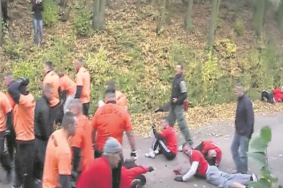Selbst wenn sie in der Abgeschiedenheit eines Waldstücks stattfinden, wie hier im Oktober 2009 im hessischen Wildeck-Obersuhl.