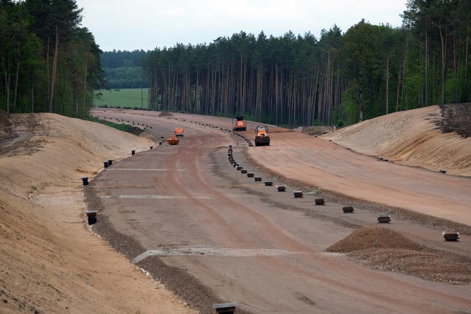 Der Verlauf der Trasse für den Bauabschnitt der A14-Verlängerung zwischen Colbitz und Dolle nimmt Gestalt an.