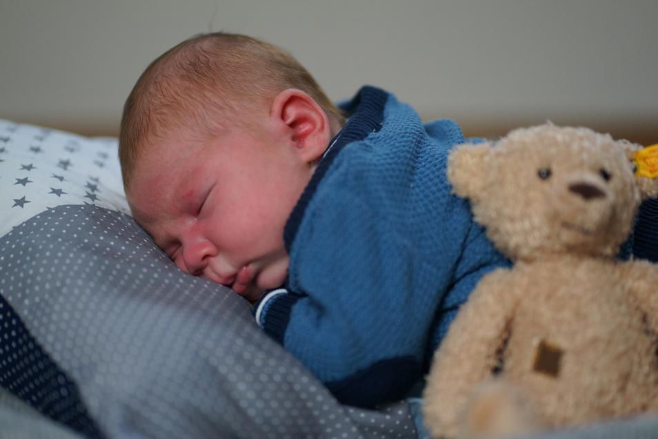 Otto, geboren am 1. April, Geburtsort: Pirna, Größe: 54 Zentimeter, Gewicht: 4.665 Gramm, Eltern: Peggy und Uwe Thorandt, Wohnort: Pirna Rottwerndorf