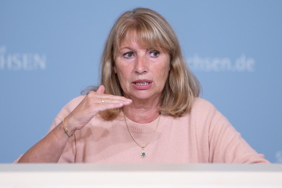 Petra Köpping (SPD), Sozialministerin von Sachsen, zeigte sich mit Blick auf immer mehr Corona-Patienten in den Krankenhäusern beunruhigt