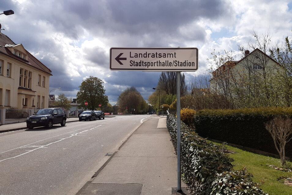 Dieses Schild steht an der Roßweiner Straße.