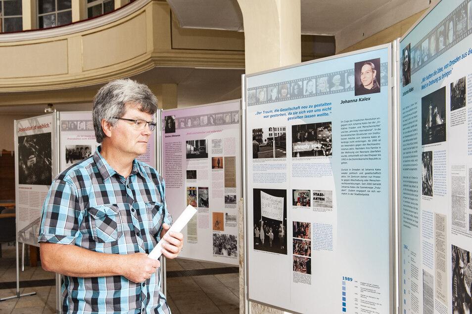 Pfarrer Pohl kennt Johanna Kalex aus Dresden, eine der Frauen, die in der Ausstellung mit je zwei Tafeln beschrieben sind. Ihr damaliges Tun wird ihrer heutigen Lebenssituation gegenübergestellt.