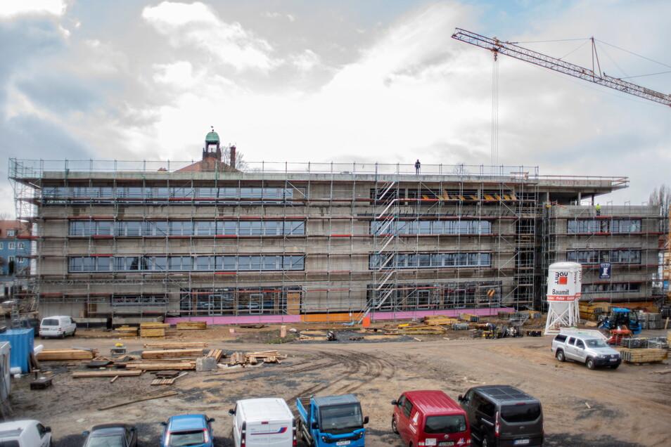Besonders viel Geld gibt der Landkreis Bautzen gegenwärtig für Schulen aus - unter anderem für Umbau und Erweiterung von Oberschule und Gymnasium in Kamenz. Ein Großteil der Arbeiten ist bereits abgeschlossen.