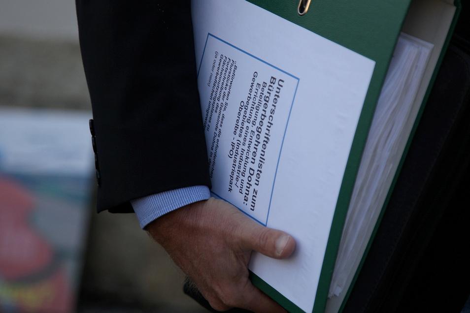 Die Unterschriften fürs Bürgerbegehren haben gereicht, nur die gestellte Frage macht Probleme.