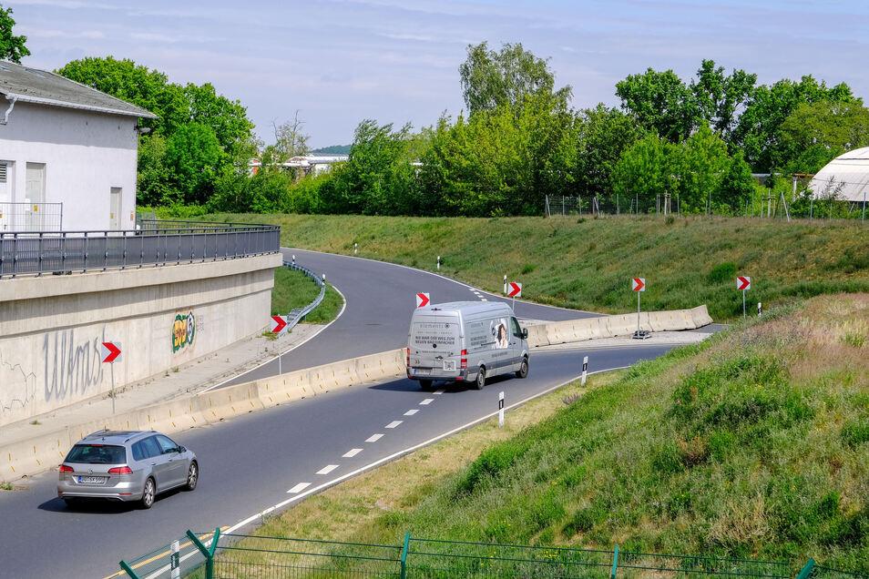 Die S84/Kötitzer Straße in Coswig.