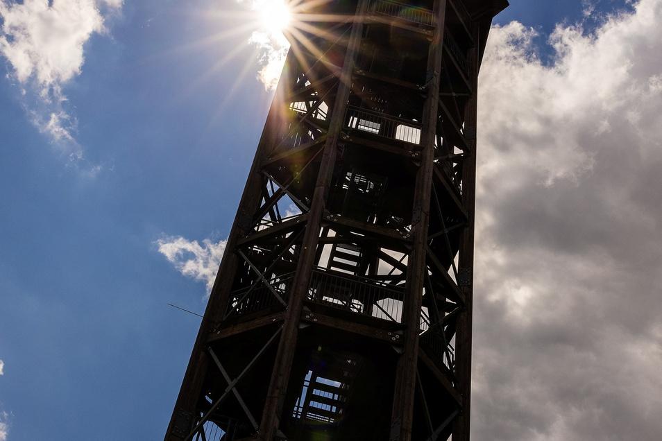 34 Meter hoch ist der Haselbergturm und bietet einen sagenhaften Blick auf das Naturschutzgebiet.