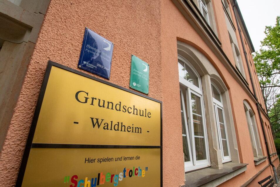 Die Schulen in Waldheim, das Foto zeigt die Grundschule, sollen im Rahmen des Digitalpaktes mit interaktiven Tafeln ausgestattet werden.