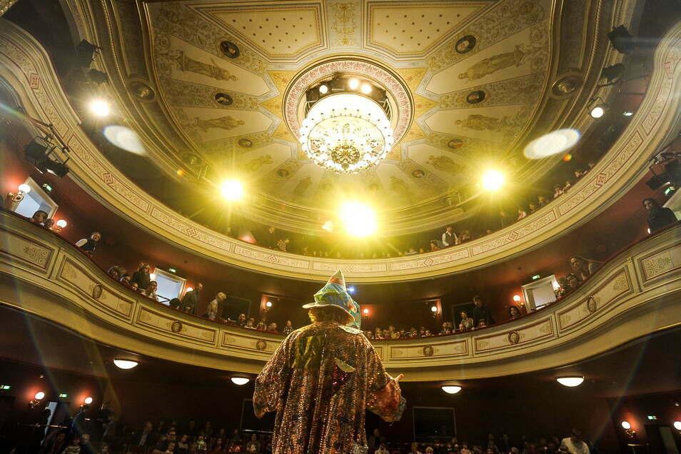 Das Görlitzer Theater ist wieder einmal gefährdet.