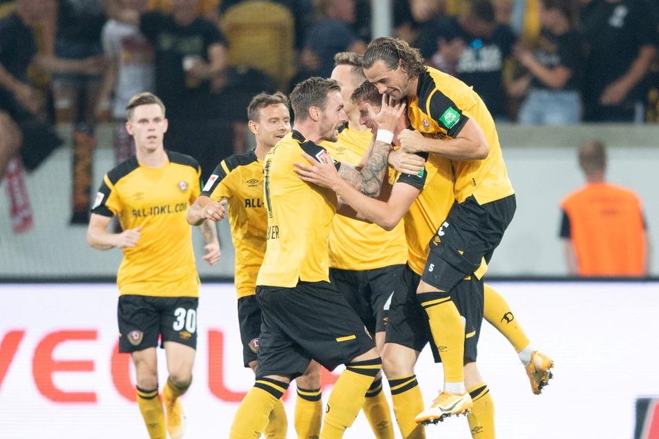 Sie sind obenauf bei Dynamo nach dem Saisonstart mit zwei Siegen und einem Unentschieden in Liga zwei, dazu das Weiterkommen im DFB-Pokal.