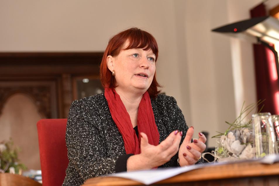 Oberbürgermeisterin Kerstin Körner hat in Dippoldiswalde bald freie Hand für Investitionen. Fraglich ist nur, wie viel Mittel die Stadt nach Corona noch zur Verfügung hat.