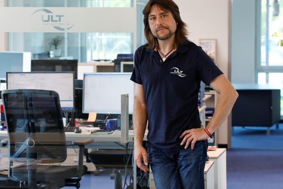 Das Geschäft läuft gut, deshalb hat ULT einen neuen Bürokomplex eingerichtet, den Pressesprecher Stefan Meißner hier zeigt (kleines Foto). Weitere Mitarbeiter werden gesucht.