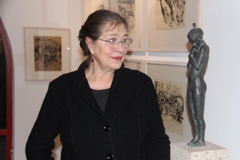 Gudrun Kühne stellt zum ersten Mal in der Bautzener Galerie Budissin aus. Neben Bronze- und Sandsteinfiguren zeigt sie auch grafische Skizzen zu den Akten sowie Reise-Impressionen aus südlichen Ländern.