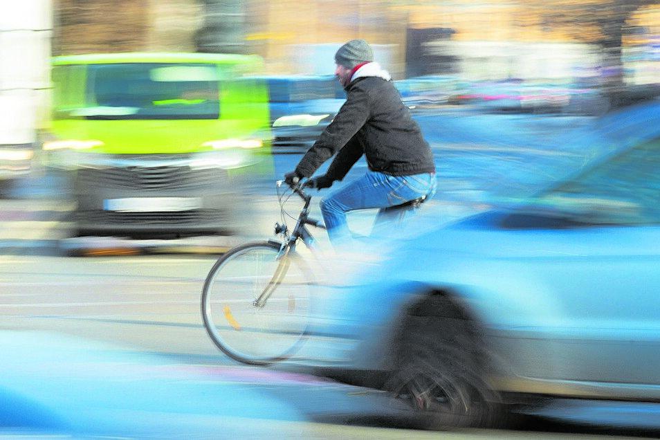 """Die Stadt als Reallabor: Wie sich Radfahrer bewegen, schauen sich die Forscher an der TUD-Fakultät Verkehrswissenschaften """"Friedrich List"""" mithilfe von Daten genau an. Daraus entstehen neue Konzepte für den Radverkehr."""