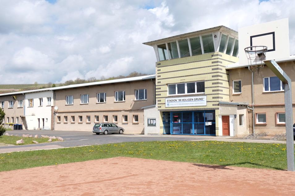 Das Stadiongebäude im Heiligen Grund. Hier sollen Räume für einen besonderen Bildungsweg an der Pestalozzi-Oberschule hergerichtet und ausgestattet werden.