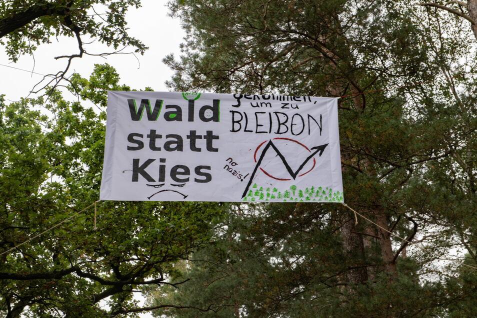 Langer Atem: Die Umweltaktivisten wollen ihr Camp auch den Winter über besetzt halten.