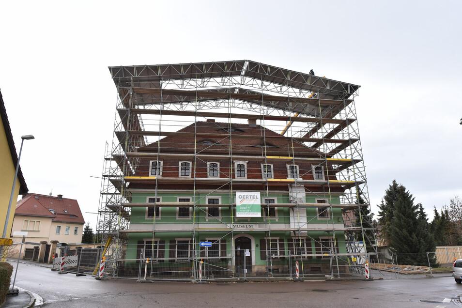 In wenigen Tagen kann das Schutzdach demontiert werden.
