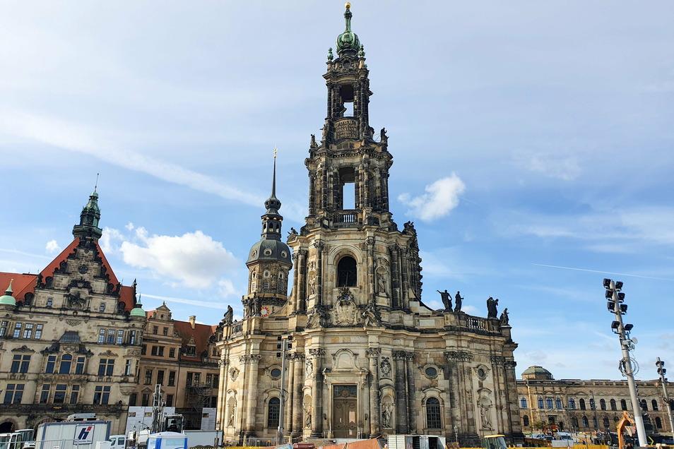 An der 1755 fertiggestellten Hofkirche sind immer wieder Instandsetzungsarbeiten nötig. Da sie dem Freistaat gehört, muss er dafür investieren.