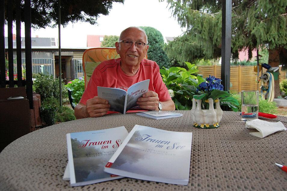 Erich Fischer nimmt seine Leser mit in das dörfliche Leben der 1940er- und 1950er-Jahre im Örtchen Frauensee in Thüringen.